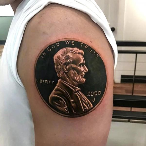 Монета на плече